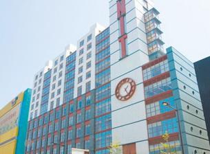 写真:西日本工業大学